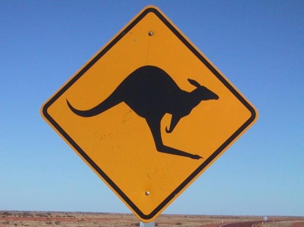 znak uwaga kangur, CC-BY-SA, JPP@commons.wikimedia.org