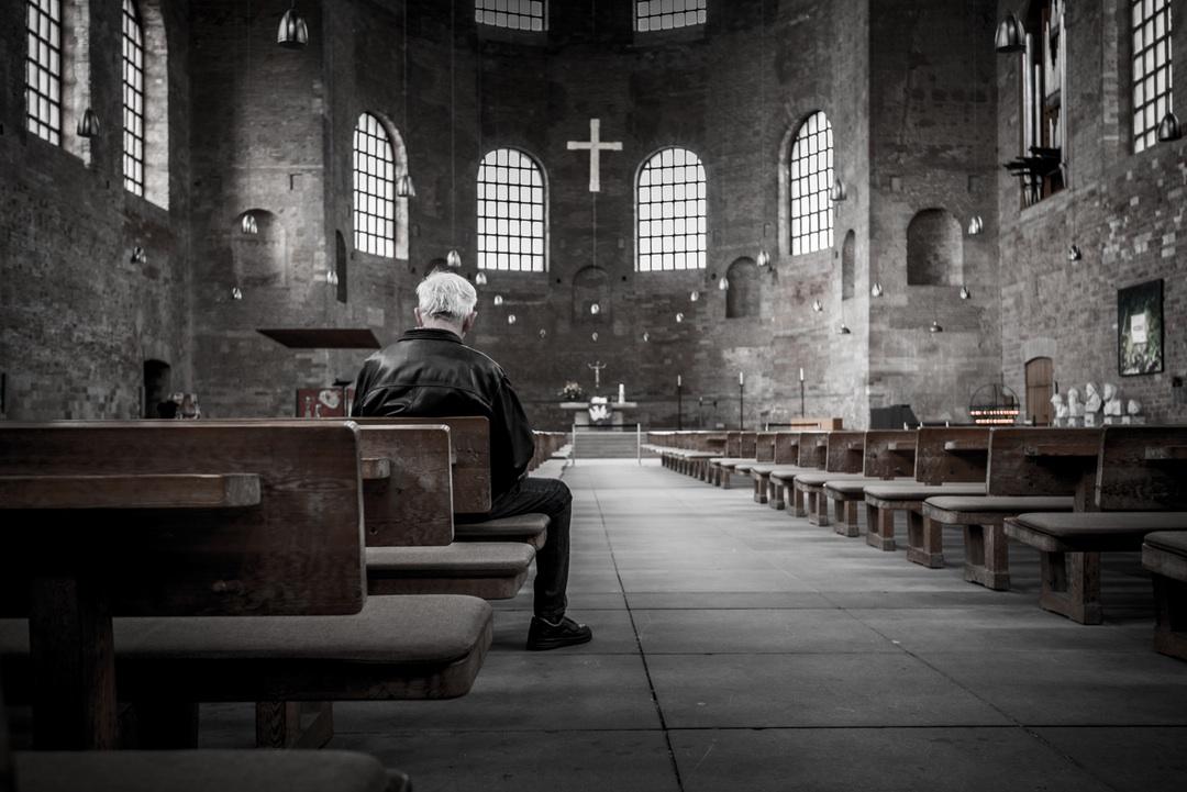 oczekiwanie i uwielbienie, zdjęcie: stefankunze@unsplash.com, CC-0