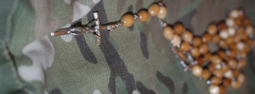 nawykowa modlitwa, zdjęcie: www.operator-paramedyk.pl, CC-BY-NC