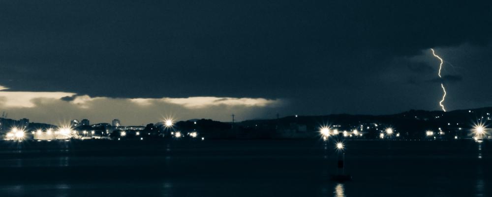 piękno w środku burzy, zdjęcie: guillaume@unsplash.com, CC-0