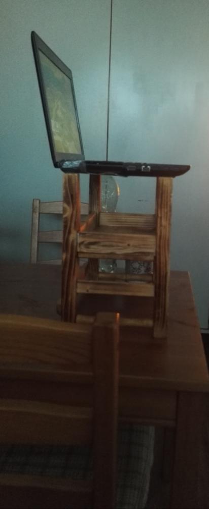 MVP biurka do pracy na stojąco, zdjęcie: operator-paramedyk.pl, CC-BY