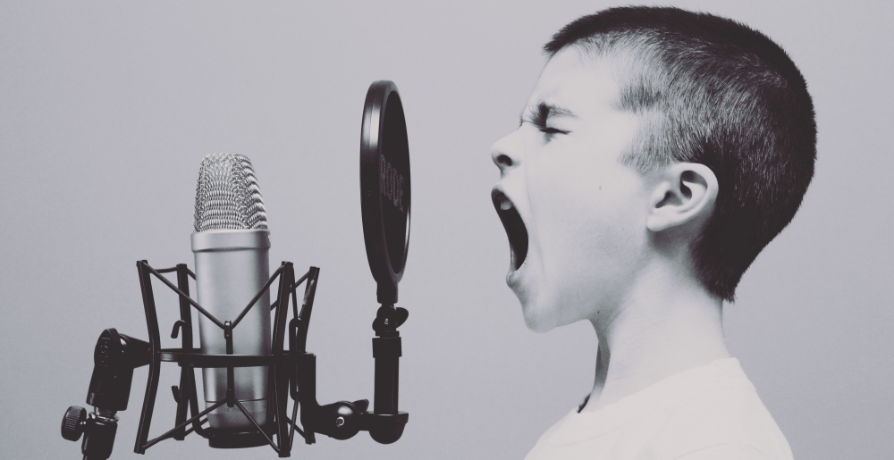sprawiłeś, że usta dzieci i niemowląt oddają Ci chwałę na przekór Twym przeciwnikom (Ps 8); zdjęcie:jason-rosewell@unsplash.com CC-0