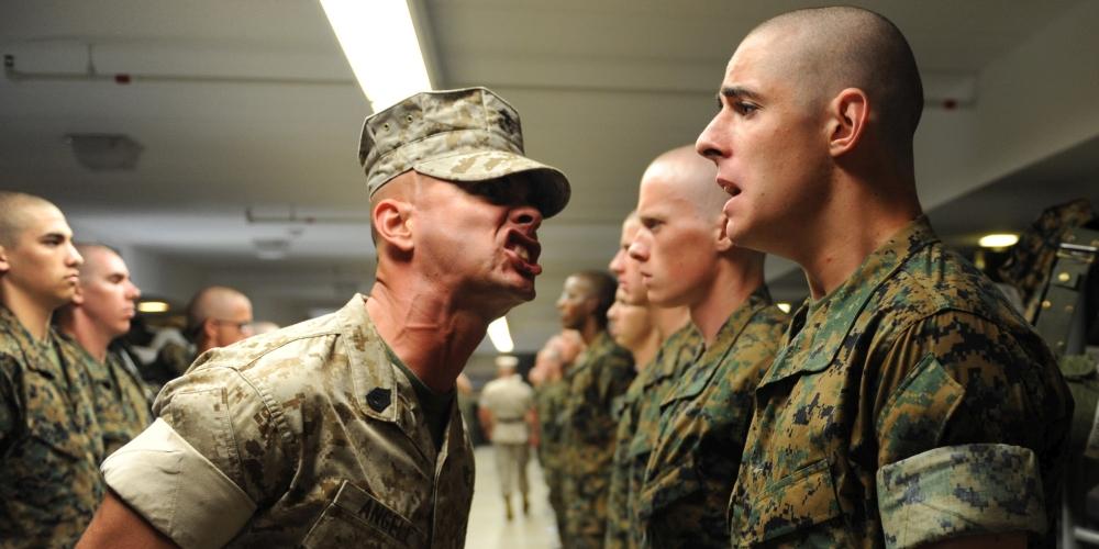 wstawaj i rób dobre rzeczy! zdjęcie: US Marines Corps CC-0