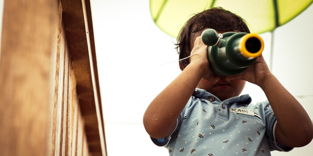 dziecko ciekawe świata, zdjęcie: joseph-rosales@unsplash.com, CC-0